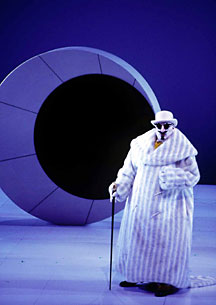 City Opera revives the Mark Lamos production of Chabrier's comic opera L'Etoile.