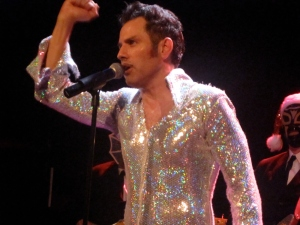 El Vez in New York City on his Mex-Mas tour 2009. (Photo © 2009, Steven P. Marsh)