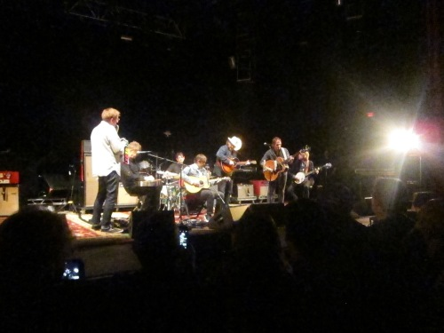 Wilco goes acoustic, with William Tyler on his last night with this tour. (© 2016, Steven P. Marsh/willyoumissme.com)